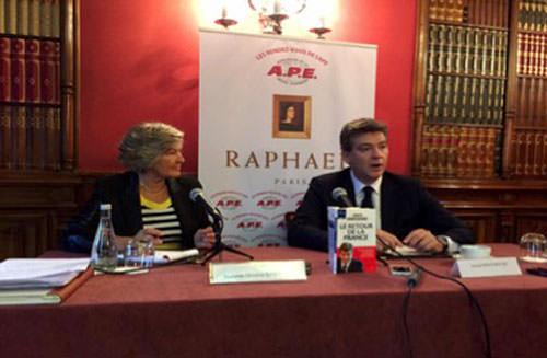 Interview d'Arnaud Montebourg à l'hôtel Raphael