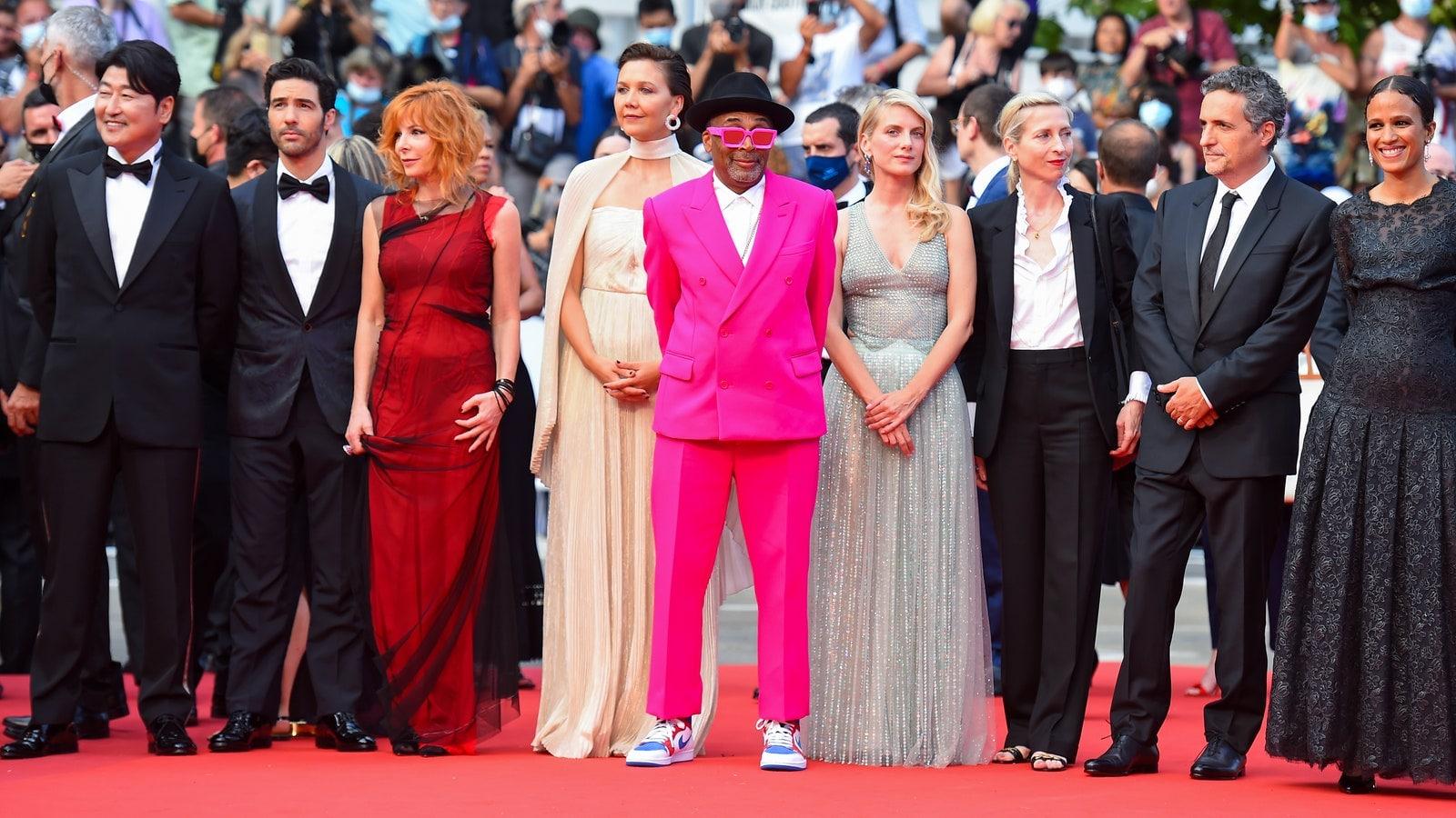 Le tapis rouge de la cérémonie d'ouverture du 74e Festival de Cannes